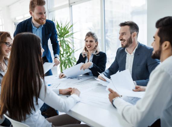 zespol wykwalifikowanych pracownikow dba o dobro klientow