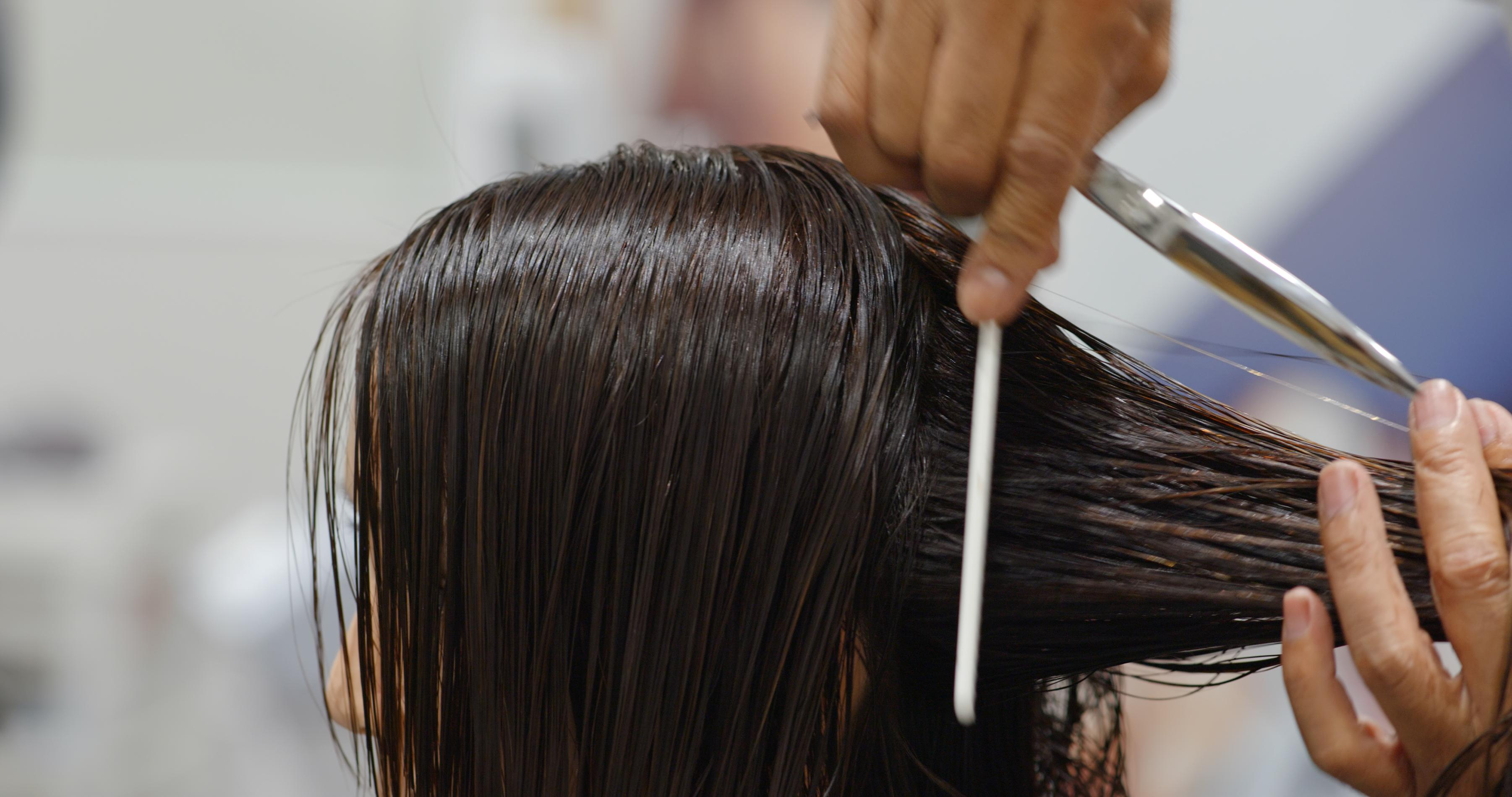 Sklep z wyposażeniem i produktami do salonów fryzjerskich i kosmetycznych